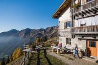Ab auf die Alm: Südtirol im Herbst