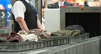 Flughafen-Sicherheitsleute der Verdi nehmen Tarifvertrag an